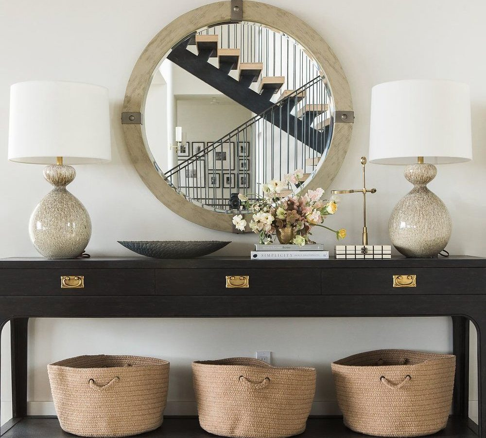 Artwork + Table Lamp + Console Combinations