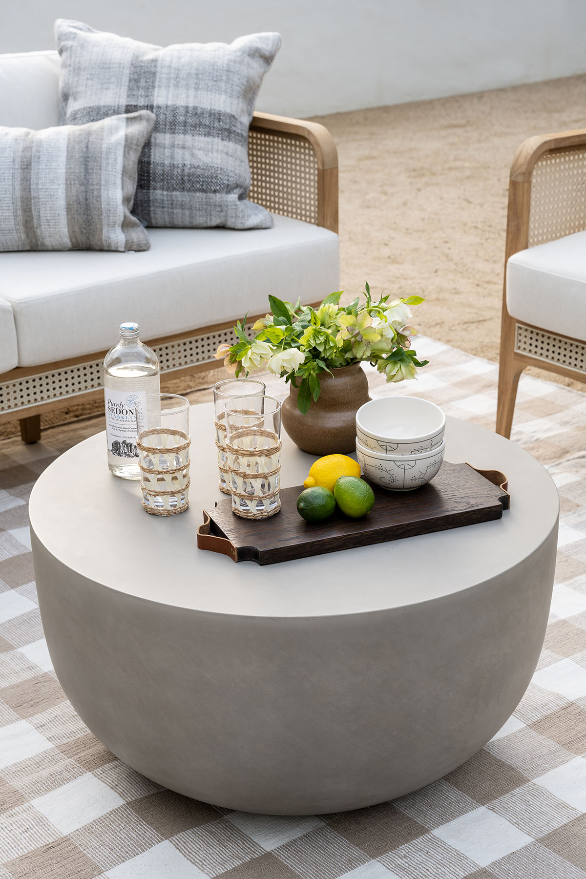 5 Ways to Elevate Your Outdoor Lounge Space