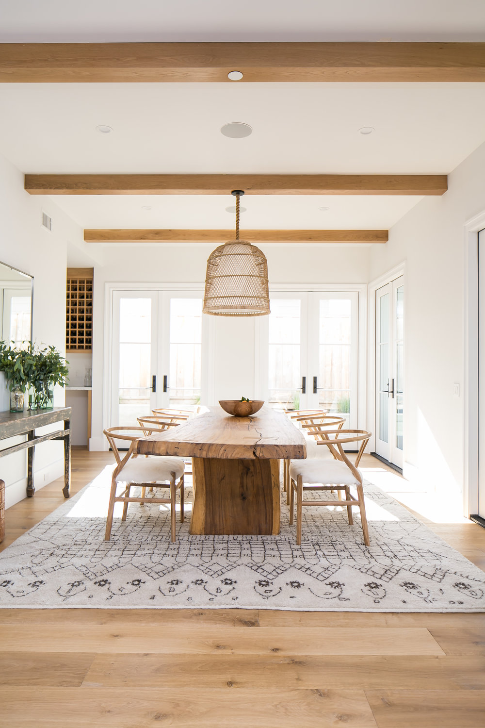 Design by  Eric Aust Architect / Furniture Staging by  Meredith Baer / Home accessories by  Clayton Builders