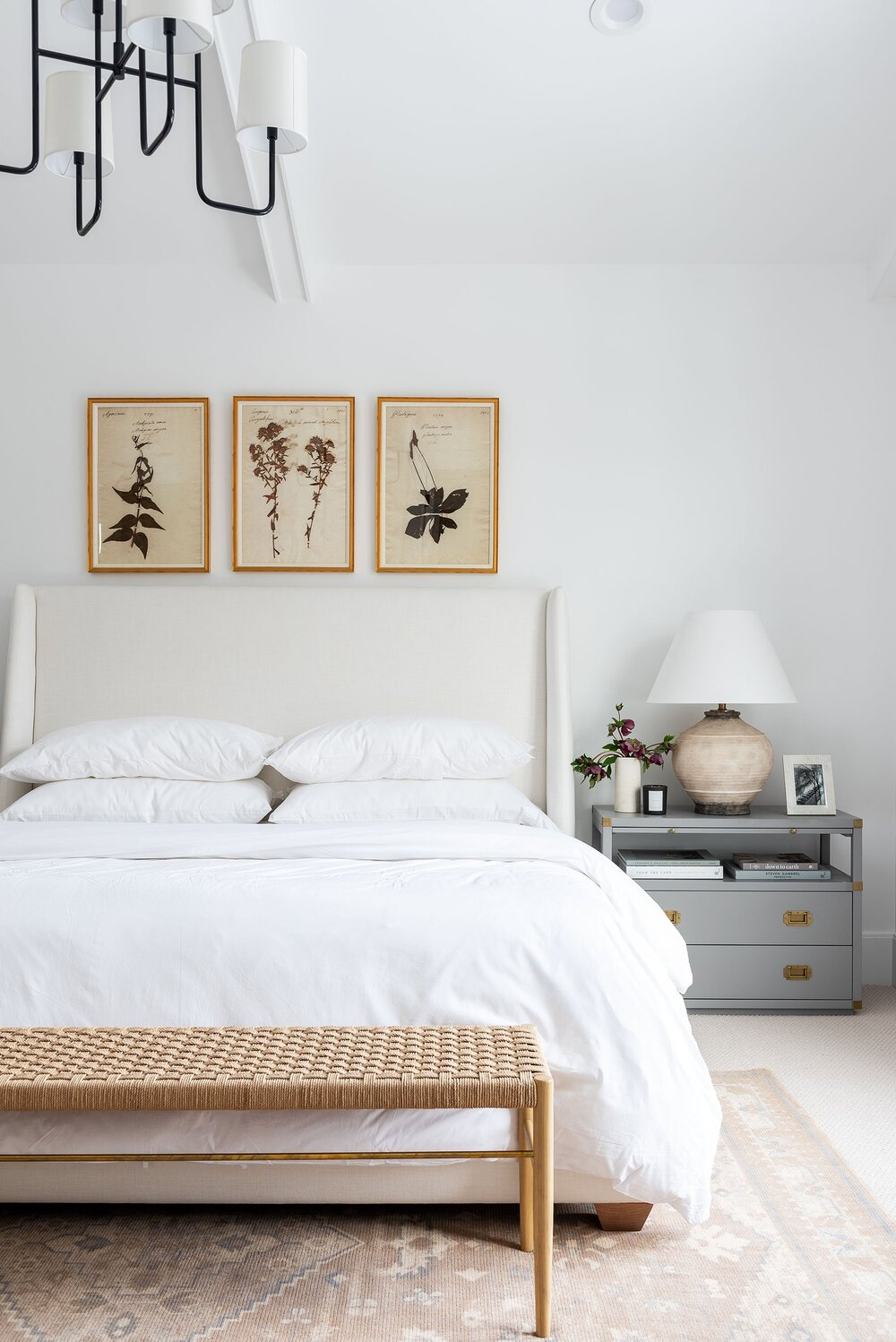 10 Essentials for Creating a Peaceful Bedroom Setting