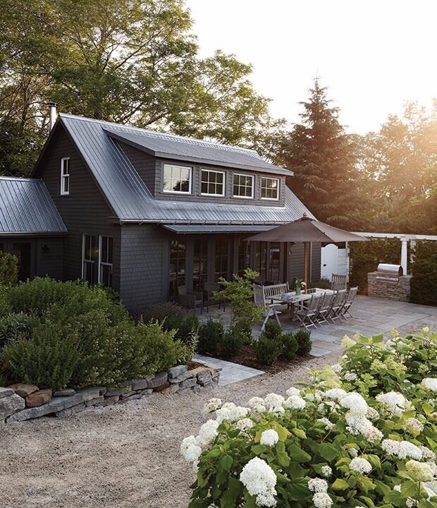 Design by Nicholas Lewin via House and Home .