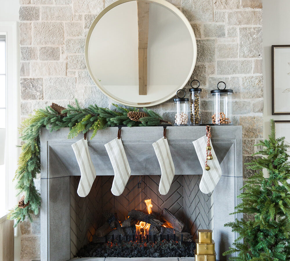 How to Style Your Holiday Mantel