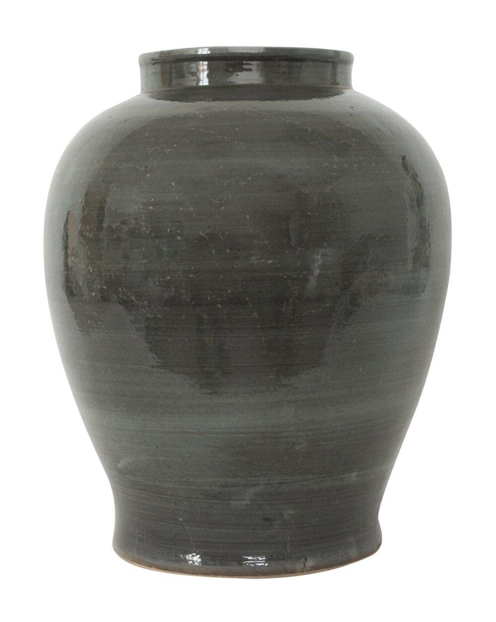 Iron_Gray_Vase.jpg