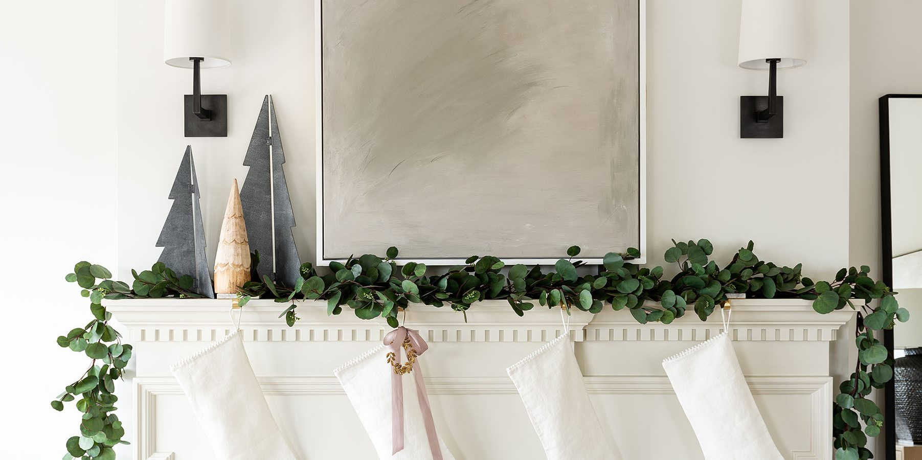 Our Step-by-Step Guide to Styling a Mantle