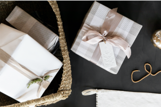 Our Gift Wrapping Tips & Favorites
