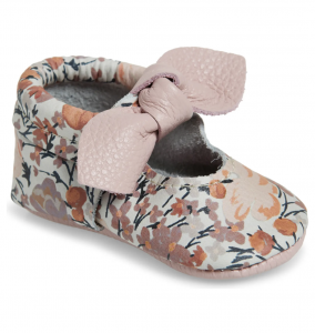 Knotted Bow Moccasin Crib Shoe