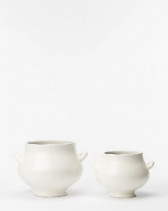 White Footed Pot