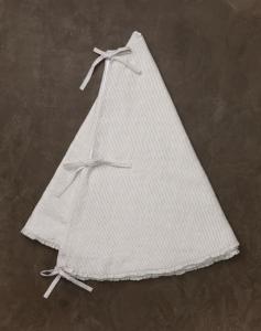 Ruffle Border Linen Tree Skirt