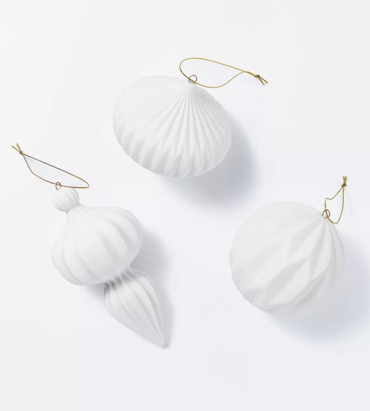 Set of 3 of Porcelain Ornaments